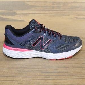 New Balance 560v7 Running Sneakers